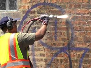 Usuwanie graffiti z elewacji / Warszawa Muranów, Żoliborz, Stare Miasto